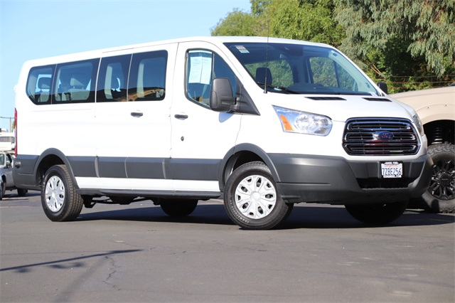 2017 Ford Transit 350 Wagon >> Pre Owned 2017 Ford Transit 350 Xlt Rwd 3d Low Roof Wagon